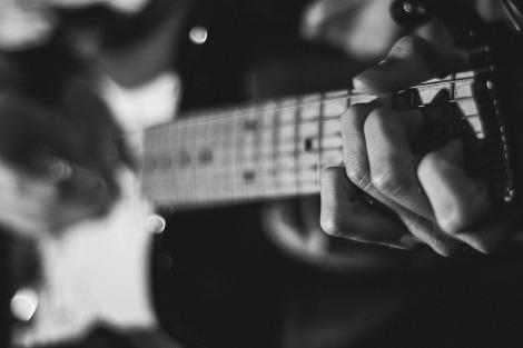 guitar-1031762_1920